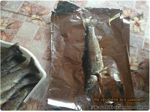 Як приготувати форель на мангалі