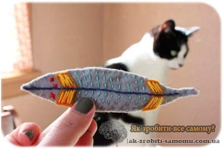 Як зробити іграшку для кішки своїми руками?