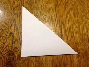 Як зробити об'ємну сніжинку з паперу?
