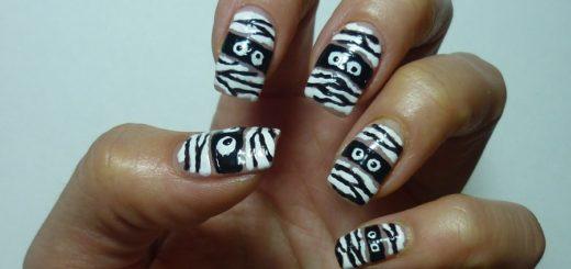 Як намалювати мумію на нігтях за 5 хвилин