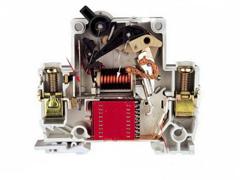 Вибір автоматичного вимикача.