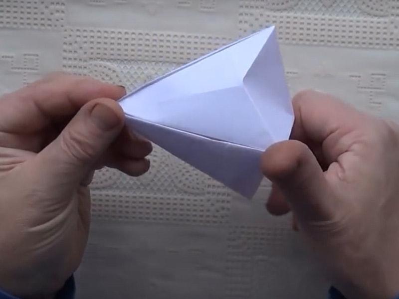 Як зробити діамант з паперу