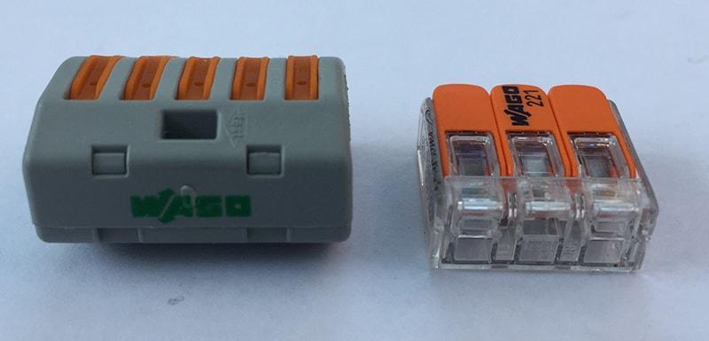 З'єднання проводів в розподільній коробці. Підключення розетки, вимикача і люстри.