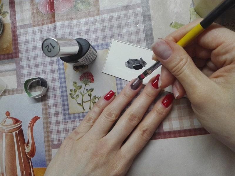 Як користуватися стемпингом для нігтів