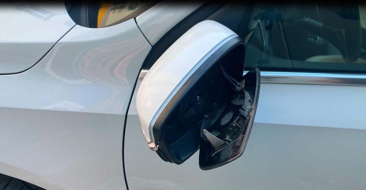 Замена зеркала (зеркальный элемент с подогревом) Volkswagen (Passat,Golf,Jetta и т.д).